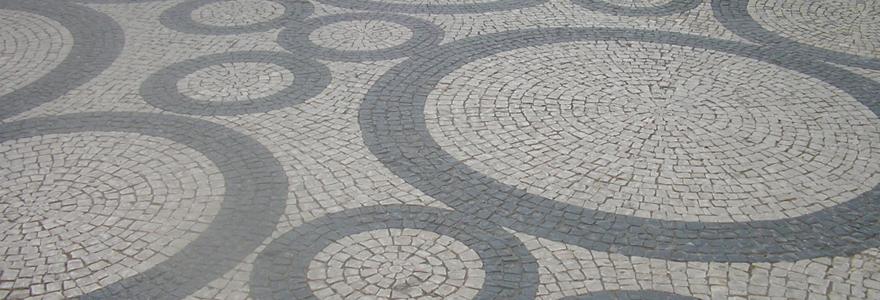 revêtement de sol en pierre